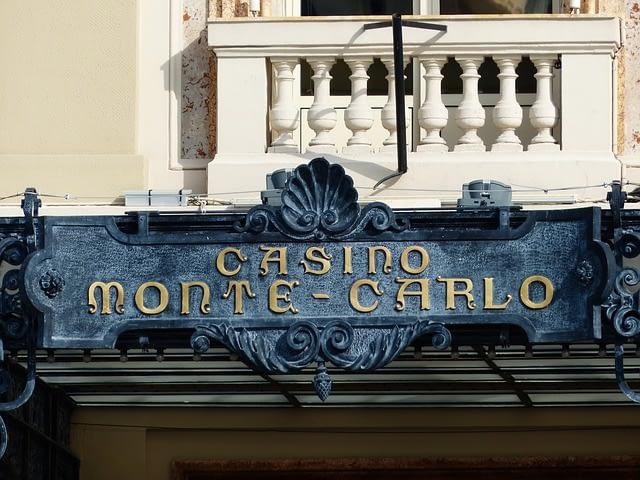 モンテカルロ法でオンラインカジノで勝つ